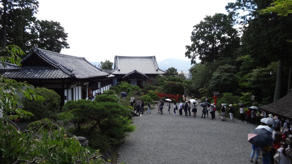 建勲神社 混雑